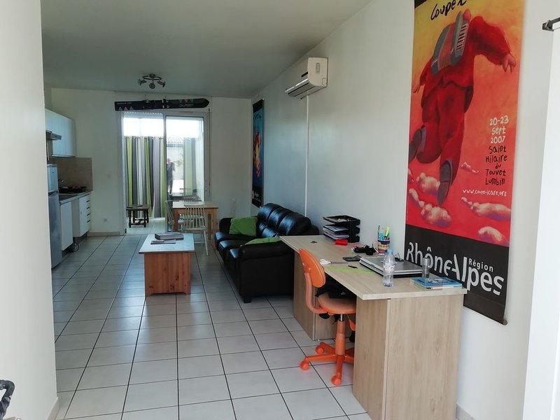 Proche Aubagne et la Valentine T2 de 54 m², holiday rental in La Penne-sur-Huveaune