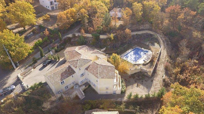 Provence/ Verdon gîte de 70m2 en RdC de villa pour 5 personnes, holiday rental in La Verdiere