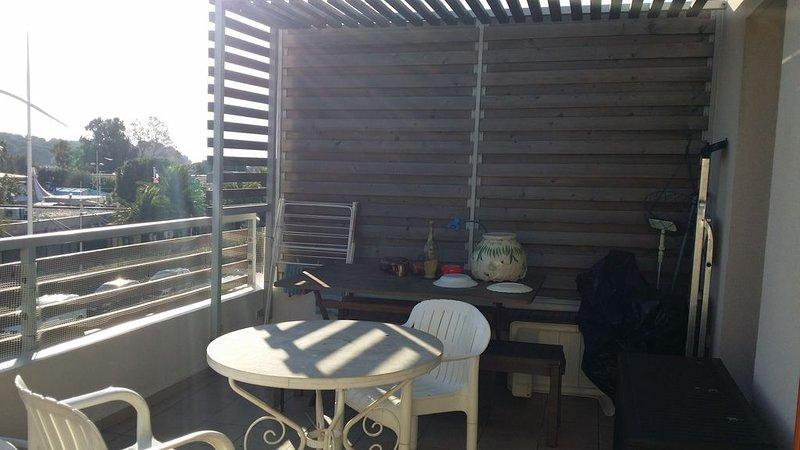 Appartement lumineux avec belle terrasse - Vue sur mer, casa vacanza a La Seyne-sur-Mer