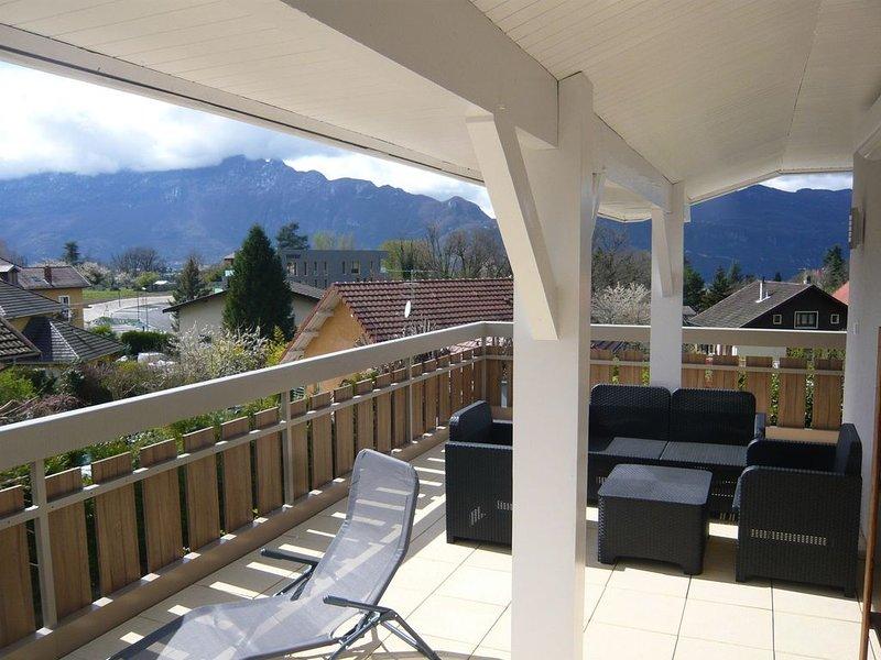 Dans maison calme magnifique logement spatieux et lumineux refait neuf cures, casa vacanza a Montcel