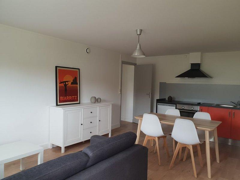 Appartement T2 indépendant au centre du Pays Basque, casa vacanza a Saint-Esteben