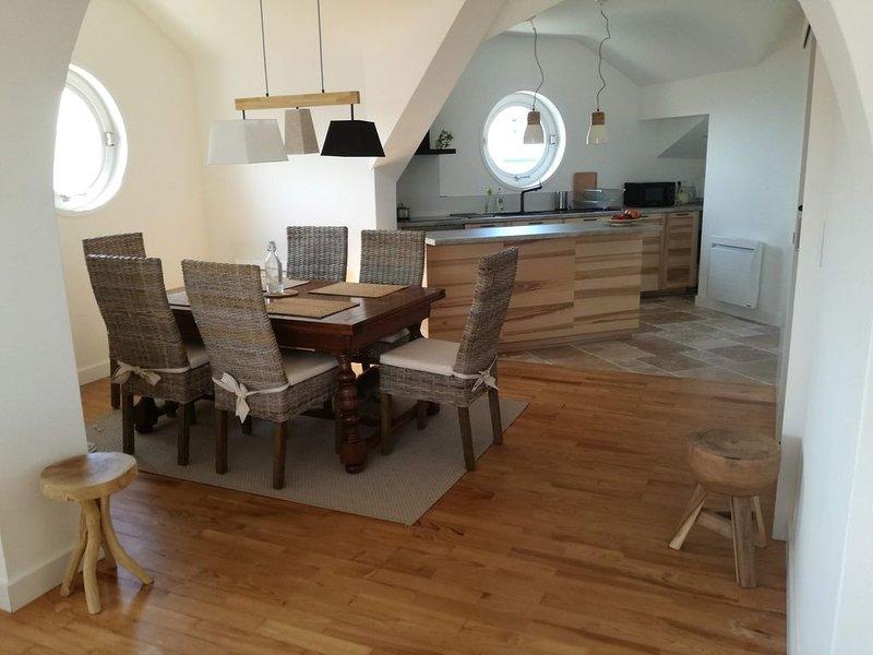 Bel appartement résidentiel au centre ville, au calme, vue sur plage et montagne, holiday rental in Saint-Jean-de-Luz