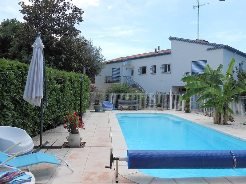 GITE CONFORTABLE - PISCINE  - GRAND JARDIN -BASSES CEVENNES, holiday rental in Courry