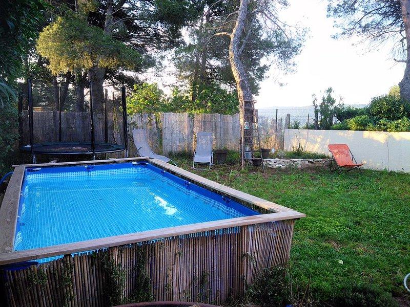 Maison confortable, au calme dans un quartier résidentiel, holiday rental in Marignane