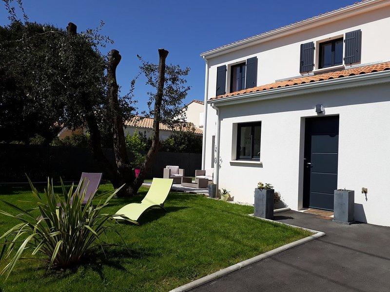 Saint-Palais sur mer, villa neuve, 250 mètres de la plage de Nauzan, vacation rental in Saint-Palais-sur-Mer