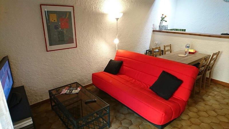 Appartement 2 pièces au centre de Pézenas, holiday rental in Lezignan-la-Cebe
