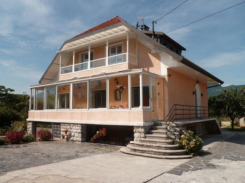 Location Meublé Pour Cure Ou Vacances AIX LES BAINS, holiday rental in Mouxy