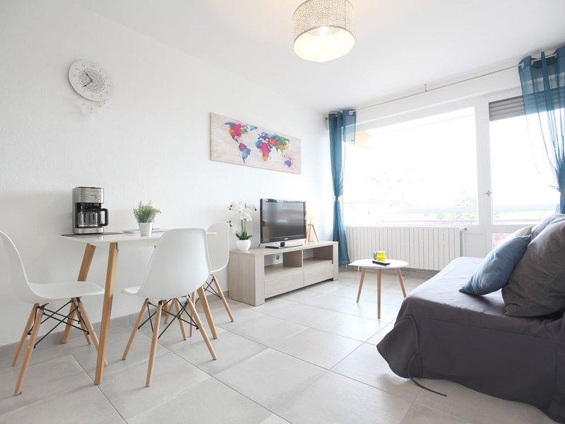 Appartement LUMINEUX MODERNE aux portes de GENÈVE, holiday rental in Carouge