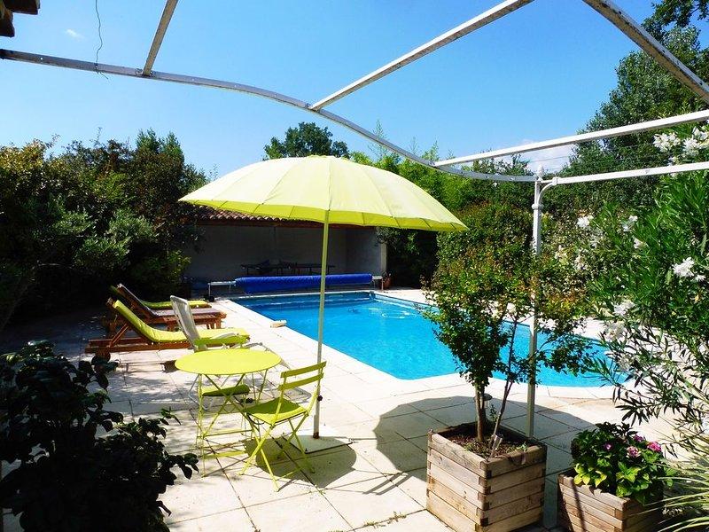 Villa avec pisicine proche d'Aix-en-Provence, location de vacances à Pourrieres