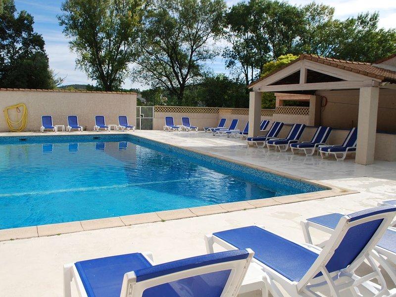 Superbe logement à proximité de Quissac -  Domaine prive avec grande piscine – semesterbostad i Quissac