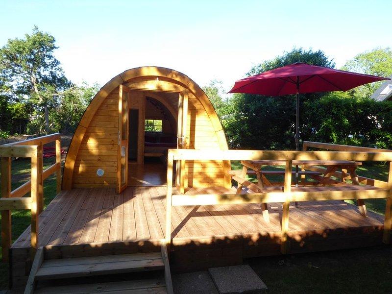 Cabane forestière  MEGAPOD tout confort, location de vacances à Tréogat