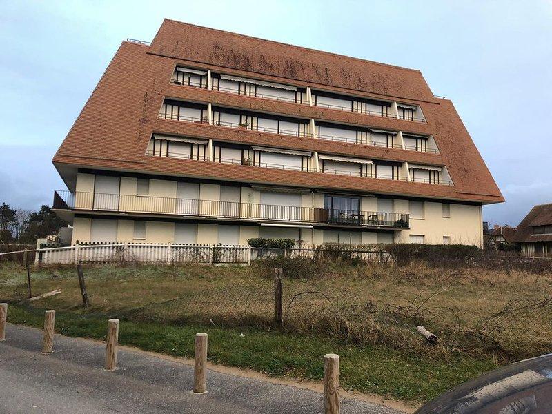 Beau  2 Pieces vue mer, vacation rental in Benerville-sur-Mer