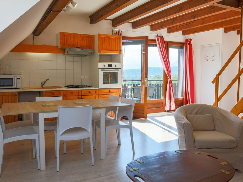 Bel APPARTEMENT 3*- LAC ANNECY et montagne, 6 personnes, holiday rental in Giez