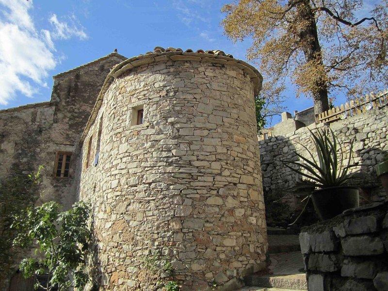 Gite médiéval 'Le Bonheur' Cirque de Navacelles - site classé UNESCO, aluguéis de temporada em Alzon