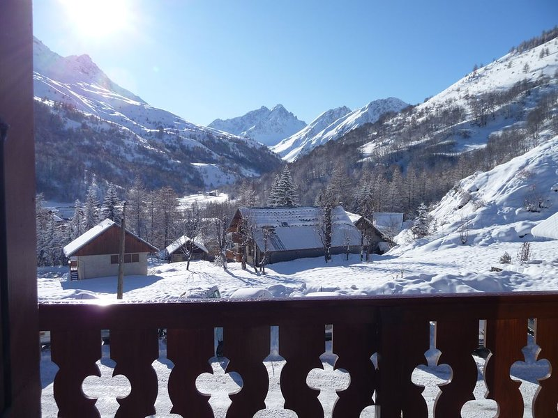Appartement 4 personnes exposé plein sud, holiday rental in Valloire