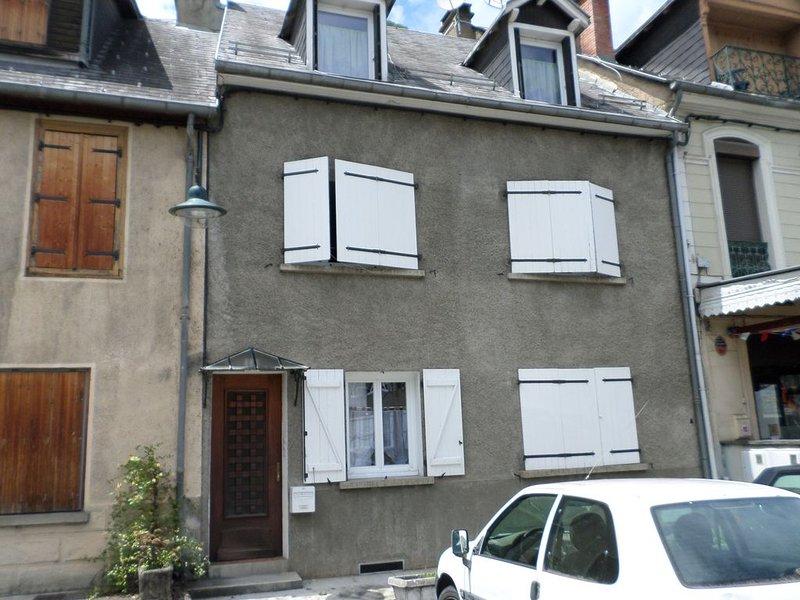 Grand T2 de 45 m², 4 personnes, toutes commodités à pieds, alquiler vacacional en Bagneres-de-Luchon