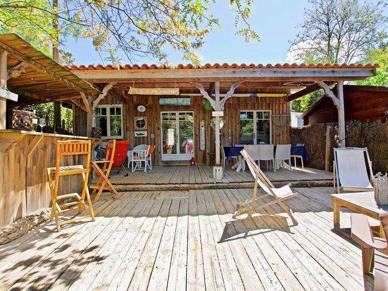 Deuxième ligne : jolie cabane dans les 44 Hectares, holiday rental in Cap-Ferret