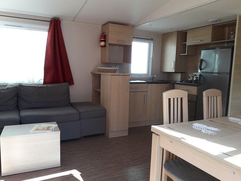 Charmant mobil home comprenant 3 chambres et 2 salles de bain, location de vacances à Arvert