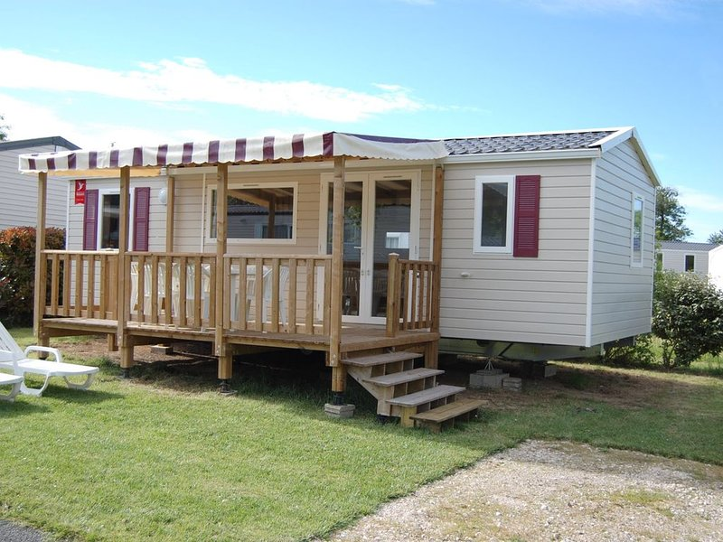 Loc mobile home 3ch  Dom de Dugny-camping 4* Blois fun pass inclus de avril-sept, holiday rental in Seillac