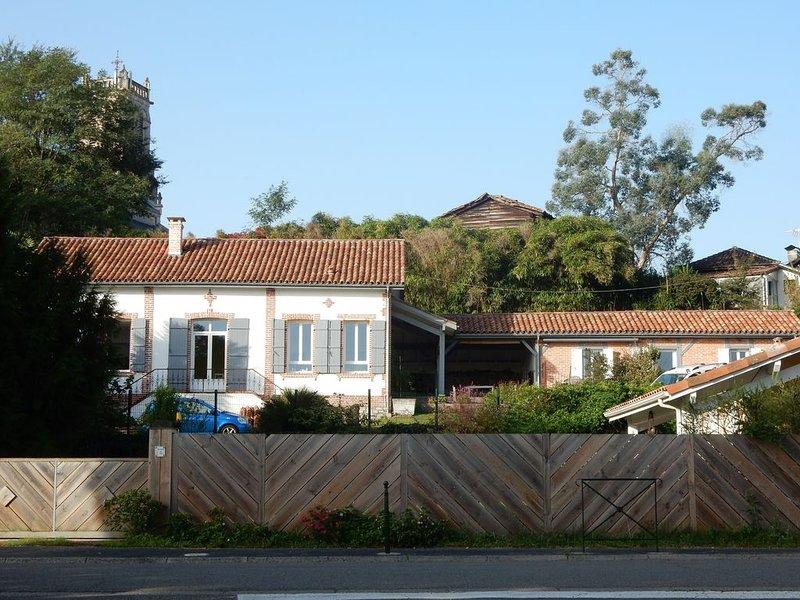 Petite maison de charme entièrement rénovée, au coeur d'un joli village., Ferienwohnung in Saint-Michel-Escalus