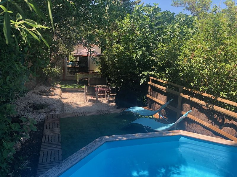 Indépendance avec piscine, location de vacances à La Valette-du-Var