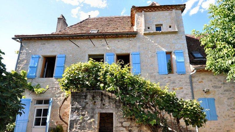 Ravissante maison avec piscine, 3 ch doubles, 1 dortoir, vacation rental in Cajarc
