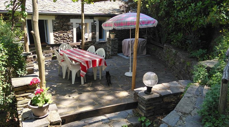 Gîte pour 4 / 5 personnes au coeur des Cévennes authentiques, holiday rental in Saint-Etienne-Vallee-Francaise