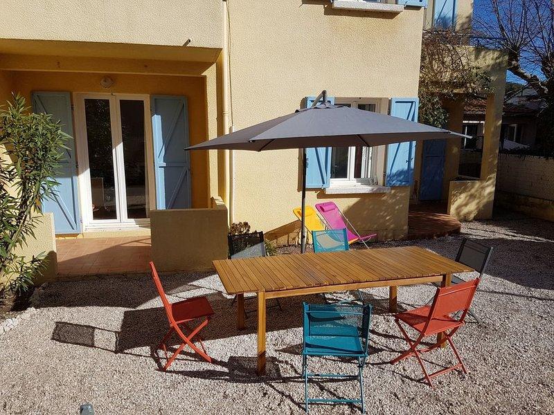 Appartement et jardin 5 personnes mer et village à Hyères - Presqu'ile de Giens, alquiler vacacional en Hyères