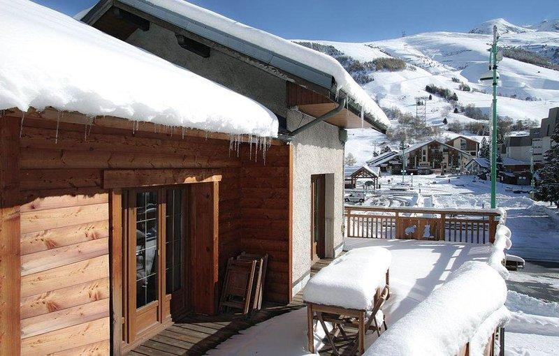 CHALET tout confort HYPER CENTRE, au pied de l´école de ski, alquiler vacacional en Les Deux-Alpes
