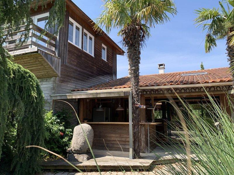 Site exceptionnel propriété dans parc arboré de 80.000 M2 env., aluguéis de temporada em Dolus-d'Oleron