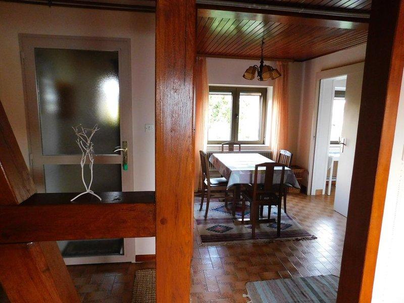 Loue gîte à Ostheim, meublé au 1er étage d'une annexe indépendante classé ***, holiday rental in Jebsheim
