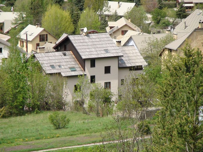 Appartement en Résidence Briançon 5 à 8 personnes neige randonnées cyclisme, vacation rental in Cervieres
