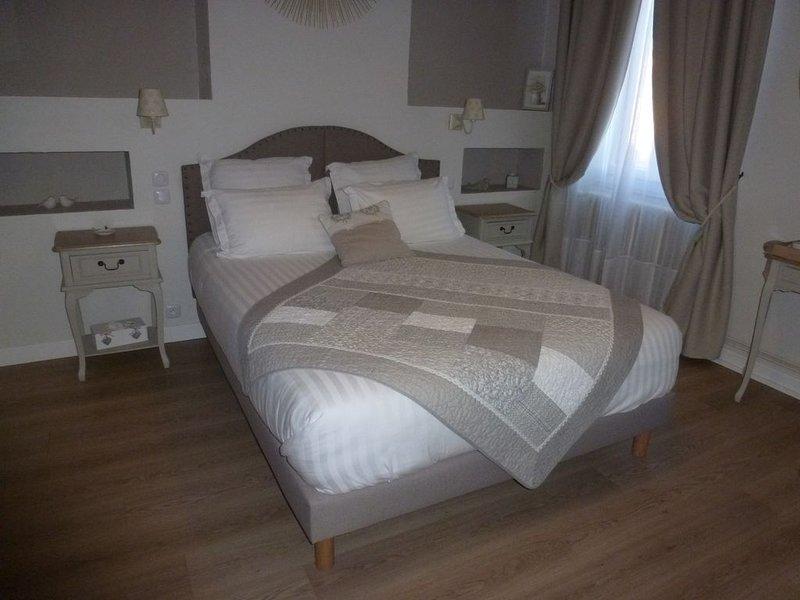 Bed & Breakfast - Chambres d'hôtes 'La maison du poëlon' avec petits déjeuners, vacation rental in Lagardelle-sur-Leze
