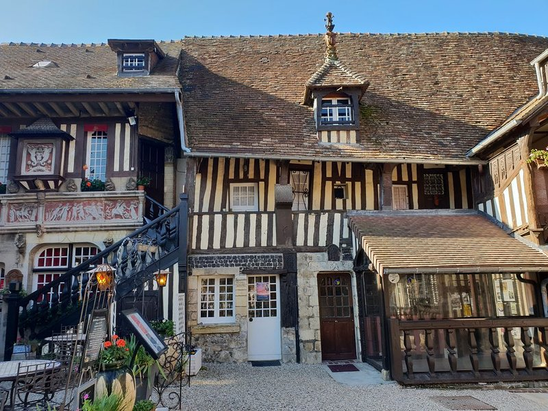 Cabourg 3P 2chambres proche hippodrome, vacation rental in Cabourg