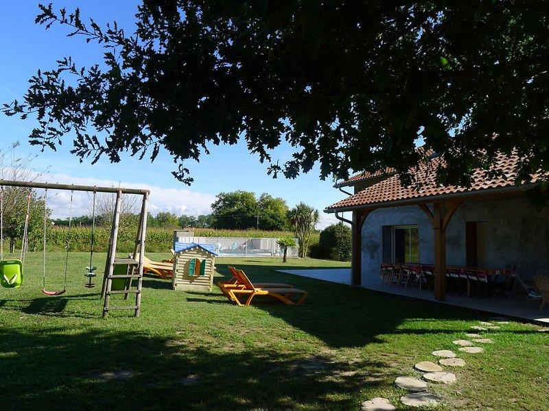 Grande maison (classée 4*) à 10 mn de l'océan avec piscine, holiday rental in Saint Andre de Seignanx