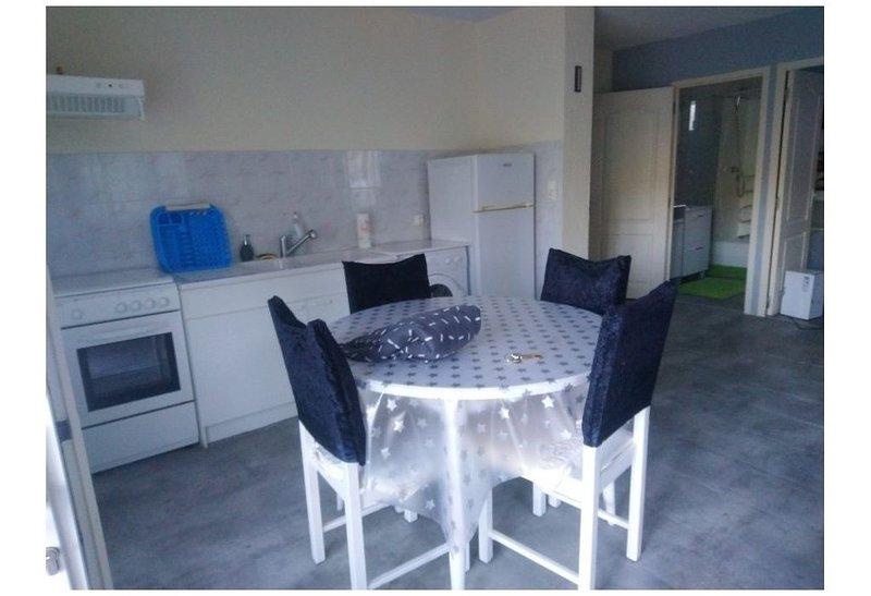 Appartement entre Terre et mer, holiday rental in Belgentier