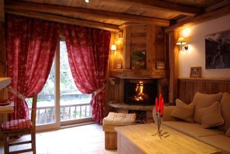 Petit chalet de charme en vieux bois ambiance montagnarde et chaleureuse garanti, location de vacances à Courchevel