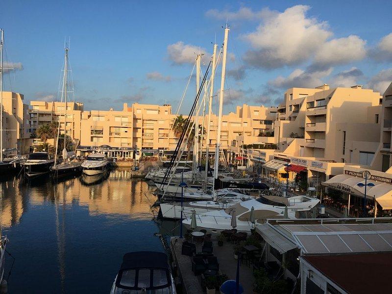 Quai honneur vue mer T2 4 pers  refait a neuf port de bormes piscine parking – semesterbostad i Bormes-Les-Mimosas