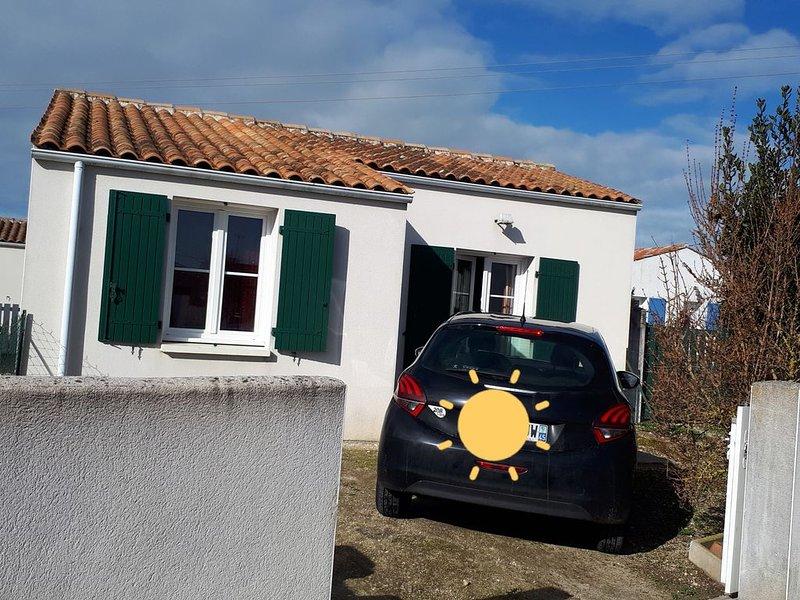 maison de ville au coeur de st pierre d'oleron, holiday rental in Ile d'Oleron