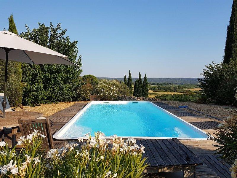 Maison Chemin d'Uzès est une propriété indépendante, à la campagne, près d'Uzès., holiday rental in Sainte-Anastasie