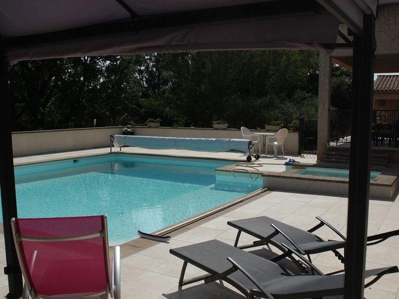 studio  dans un village proche d'Uzes, holiday rental in Saint-Laurent-La-Vernede
