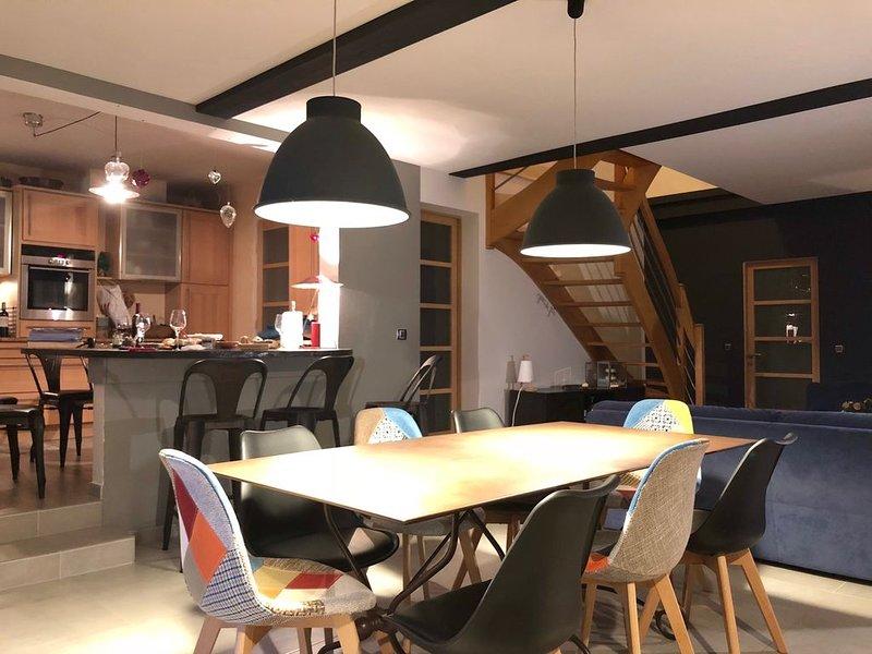 Maison confortable et spacieuse dans hameau calme avec sauna, spa et piscine, holiday rental in Autrans
