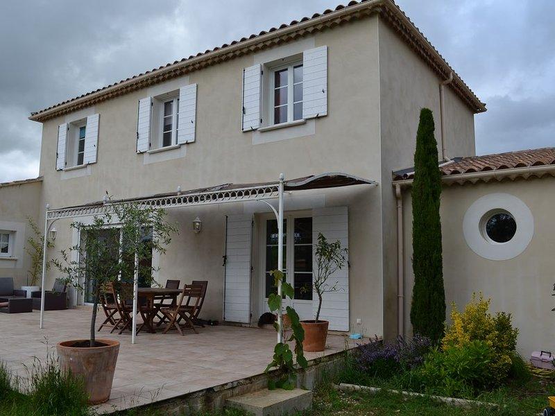 belle bastide de 170 m² dans le sud de la France, holiday rental in Brouzet-les-Quissac