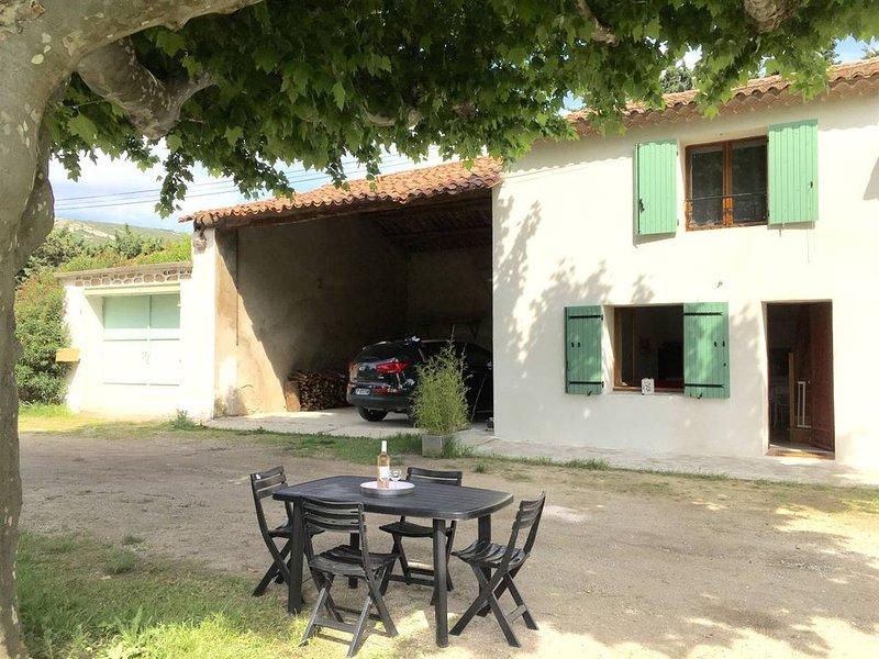 Gîte des deux platanes entre Alpilles et Luberon, holiday rental in Senas