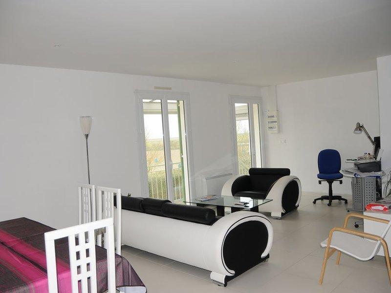 Maison bord de mer proche La Rochelle, holiday rental in Chaille-les-Marais