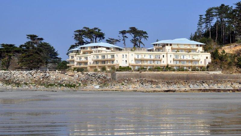 Appartement ensoleillé avec magnifique vue sur Mer – semesterbostad i Crozon