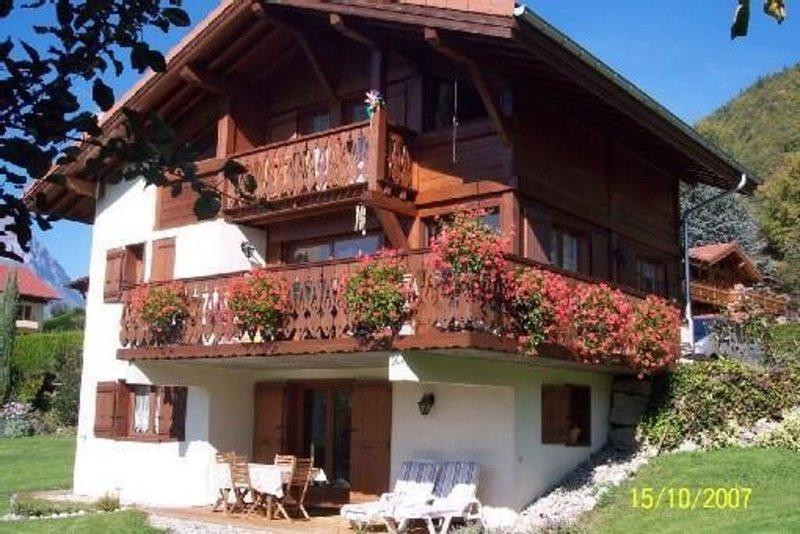 Face au Mont-Blanc, location au rez-de-chaussée d'un chalet à Passy, holiday rental in Passy