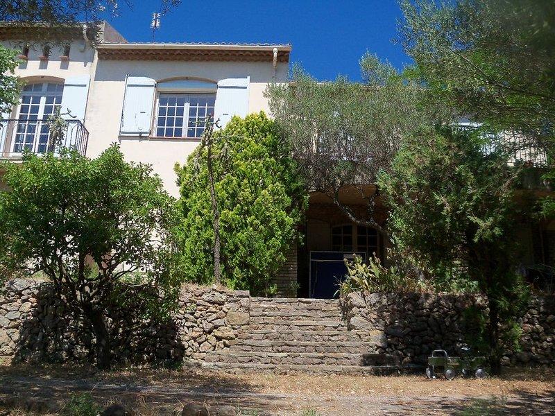 Grande maison 240 m² dans la verdure - 10-12 couchages, location de vacances à La Valette-du-Var