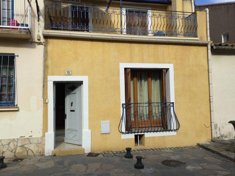 Maison dans le centre historique de Mèze (Hérault), vacation rental in Meze
