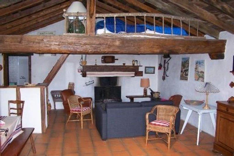 Coquette Bergerie Basque, Tout Confort Pyrénées Atlantiques, casa vacanza a Saint-Esteben